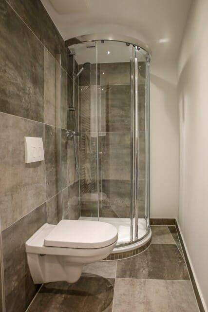 427x640neues-Duschbad-neues-Doppelzimmer-Hotel-Prinzen-Kappelrodeck.jpg